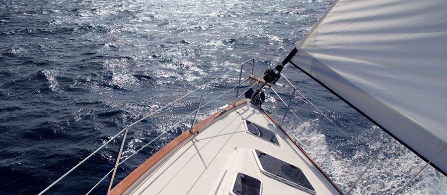Try sailing in Greece as an alternative way of vacations